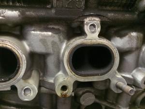 Problem: Broken manifold bolts.